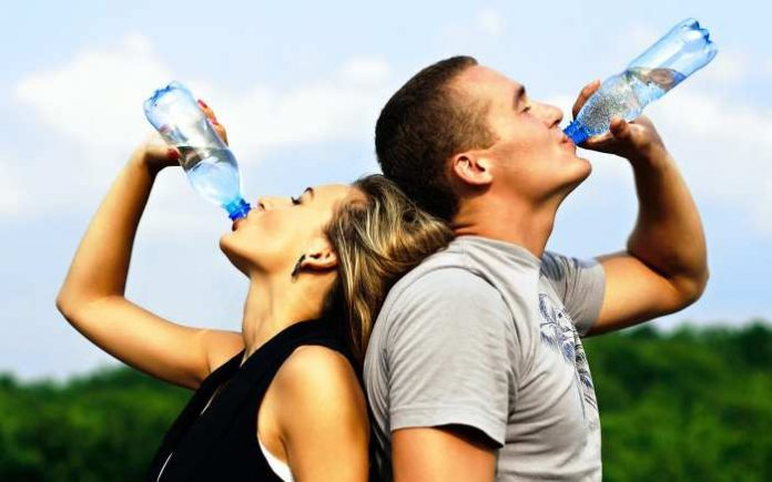 de ce sa bem mai multa apa